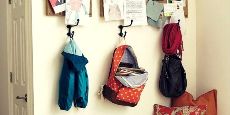 Organiza las mochilas en casa