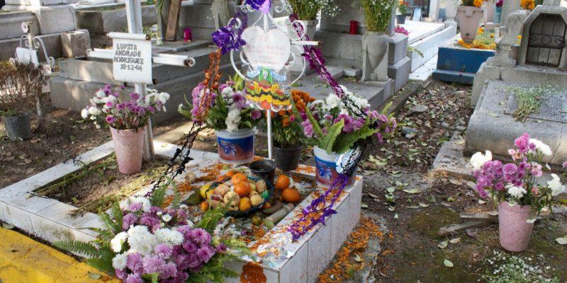 Tumba en Día de Muertos