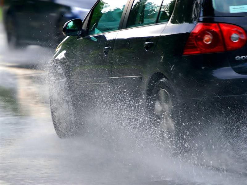 Revisa tu Auto en Temporada de Lluvias